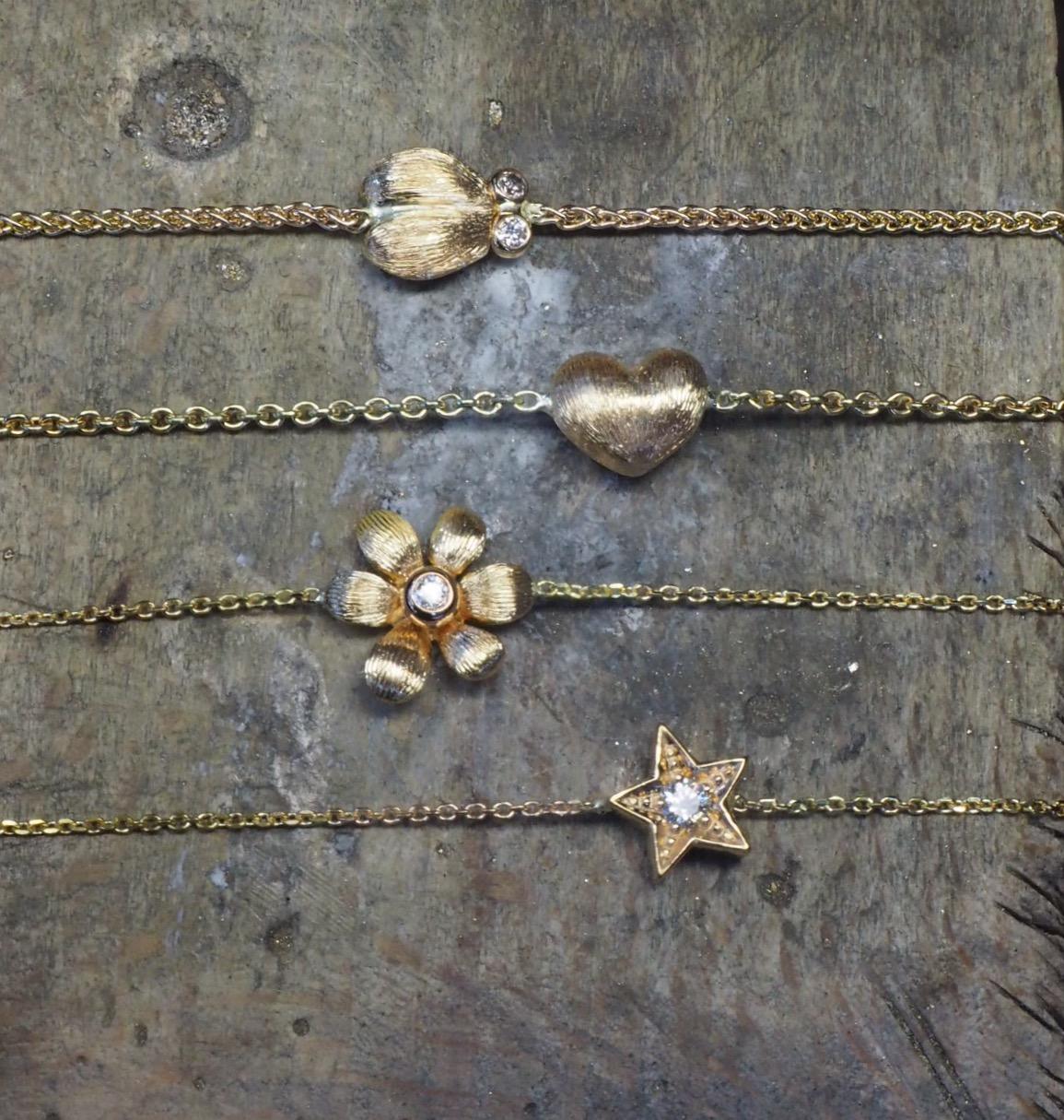 Armbänder mit verschiedenen Anhängern • Käfer • Stern • Blume • Herz